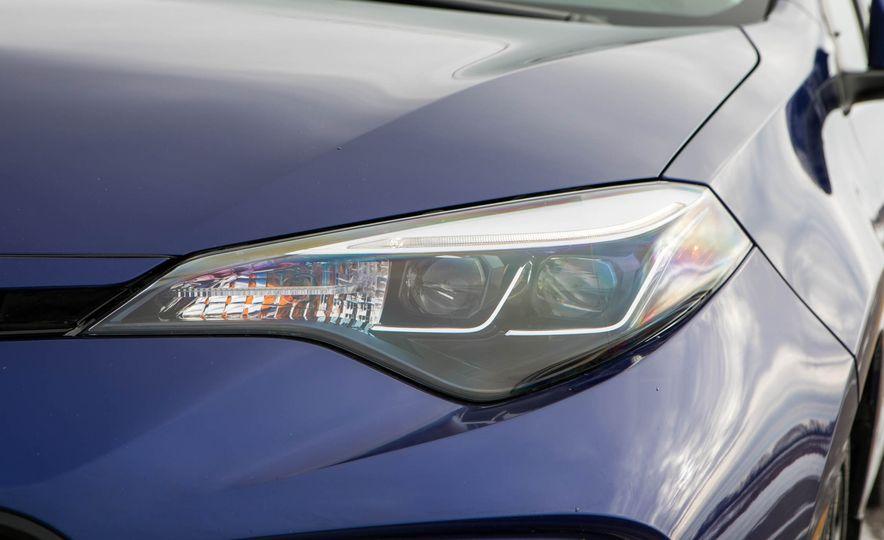 2017 Toyota Corolla XSE - Slide 44