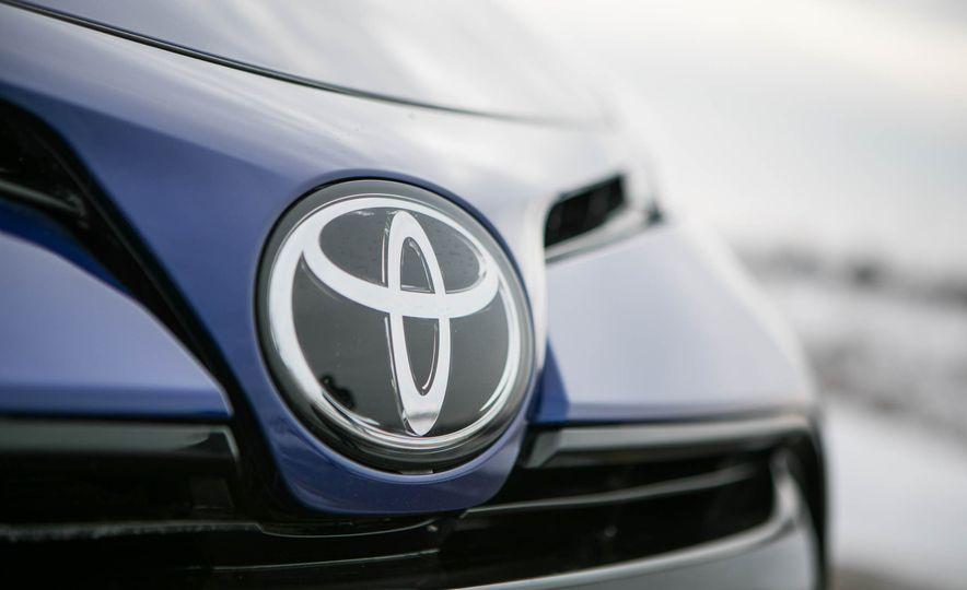 2017 Toyota Corolla XSE - Slide 46