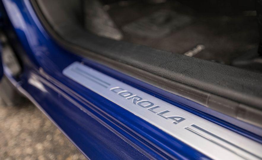 2017 Toyota Corolla XSE - Slide 59