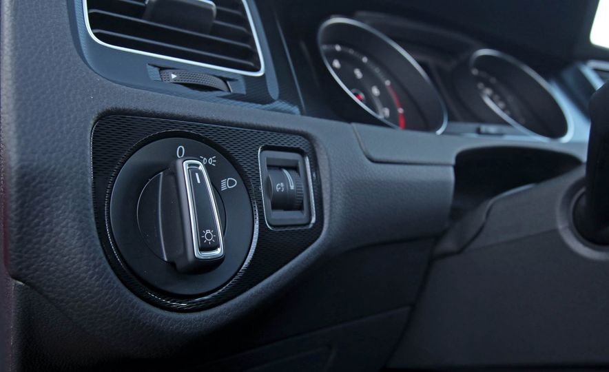 2017 Volkswagen Golf GTI Sport - Slide 60