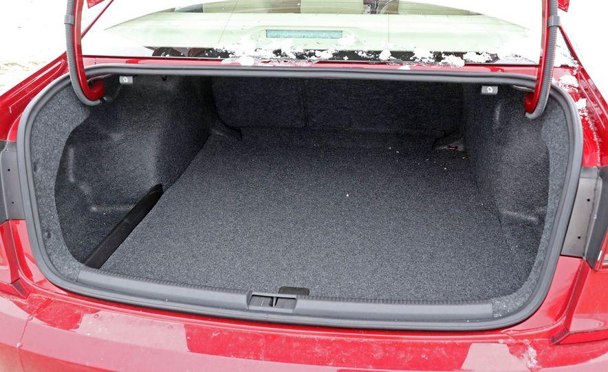 2017 Volkswagen Passat SE - Slide 45
