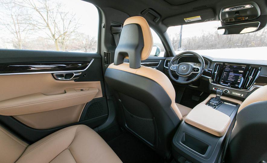 2017 Volvo S90 T5 FWD - Slide 20