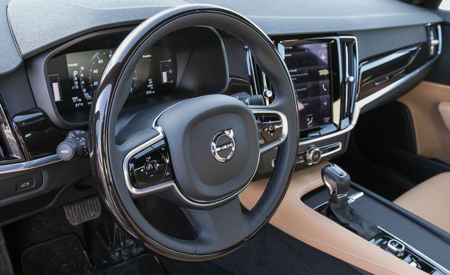 2017 Volvo S90 T5 FWD - Slide 26