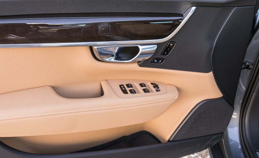 2017 Volvo S90 T5 FWD - Slide 62