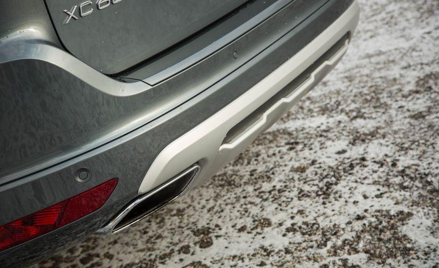 2017 Volvo XC60 AWD - Slide 13
