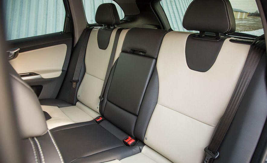 2017 Volvo XC60 AWD - Slide 19