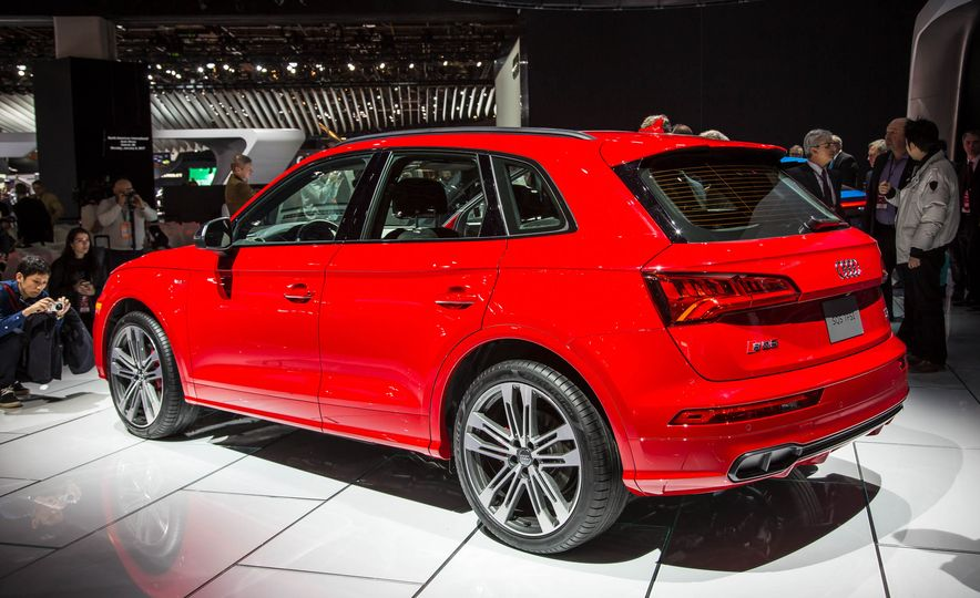 2018 Audi SQ5 - Slide 3