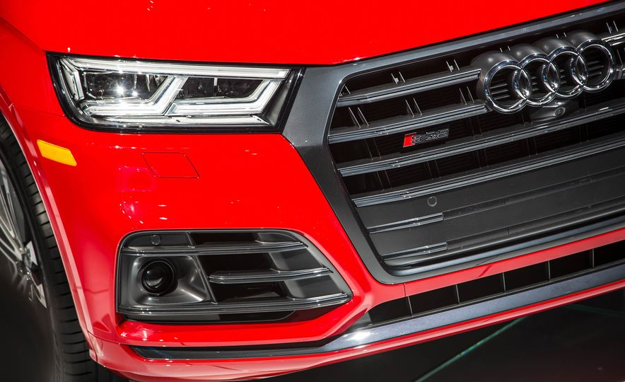 2018 Audi SQ5 - Slide 4