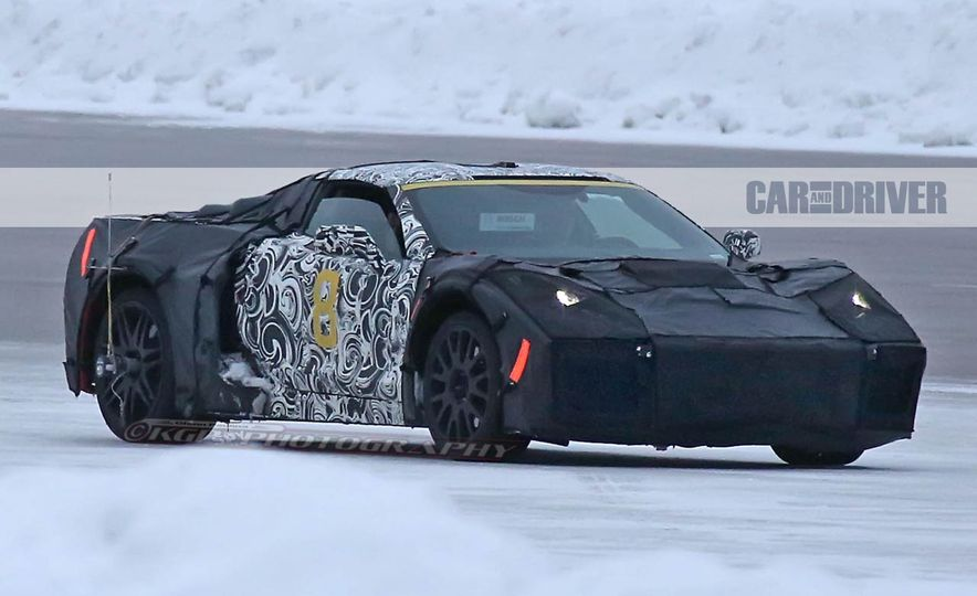 2019 Chevrolet Corvette C8 and 2018 Chevrolet Corvette ZR1 (spy photo) - Slide 5