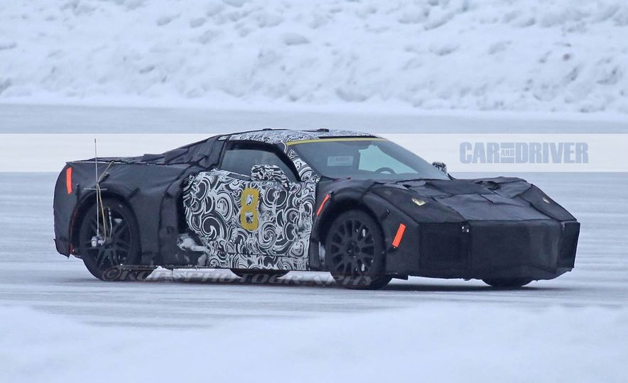 2019 Chevrolet Corvette C8 and 2018 Chevrolet Corvette ZR1 (spy photo) - Slide 8