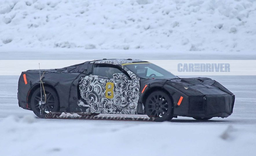 2019 Chevrolet Corvette C8 and 2018 Chevrolet Corvette ZR1 (spy photo) - Slide 10