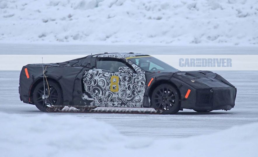 2019 Chevrolet Corvette C8 and 2018 Chevrolet Corvette ZR1 (spy photo) - Slide 11