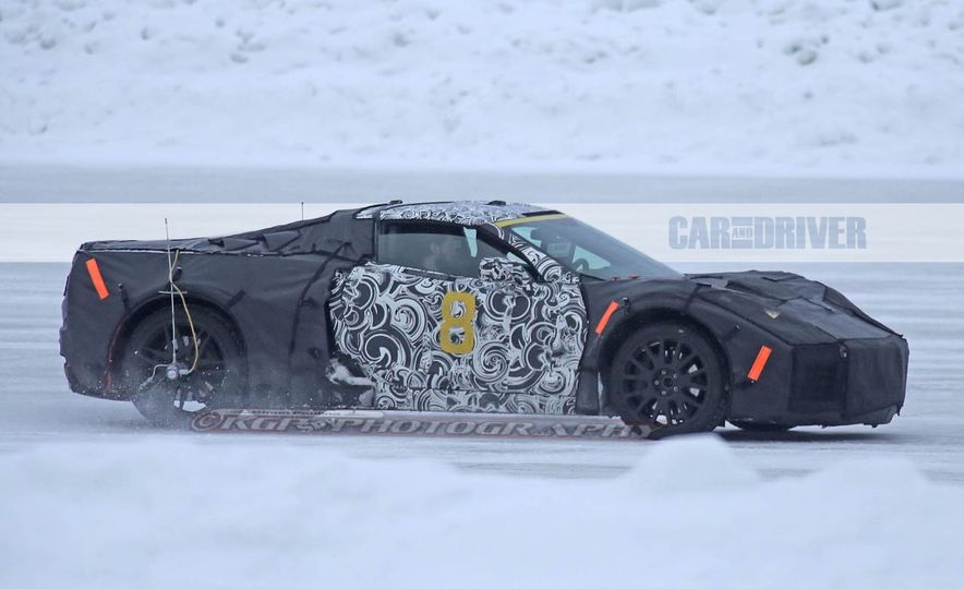 2019 Chevrolet Corvette C8 and 2018 Chevrolet Corvette ZR1 (spy photo) - Slide 12