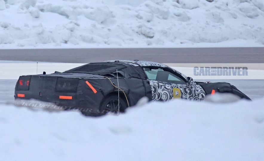 2019 Chevrolet Corvette C8 and 2018 Chevrolet Corvette ZR1 (spy photo) - Slide 18