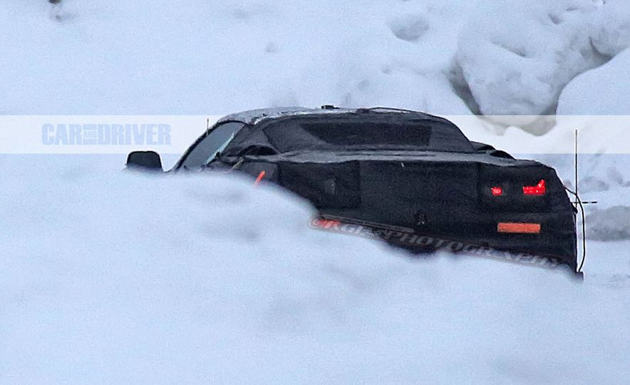 2019 Chevrolet Corvette C8 and 2018 Chevrolet Corvette ZR1 (spy photo) - Slide 19