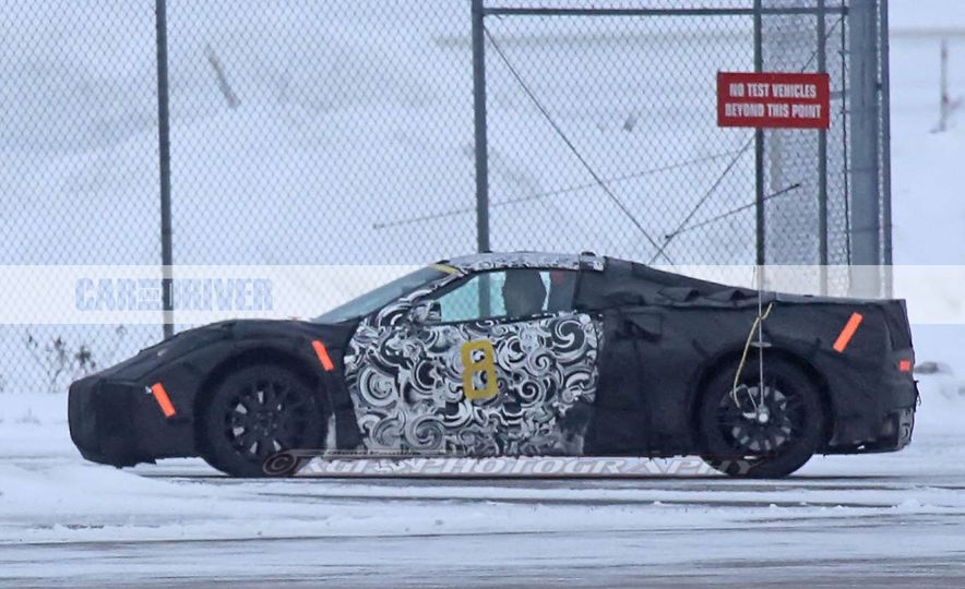 2019 Chevrolet Corvette C8 and 2018 Chevrolet Corvette ZR1 (spy photo) - Slide 24