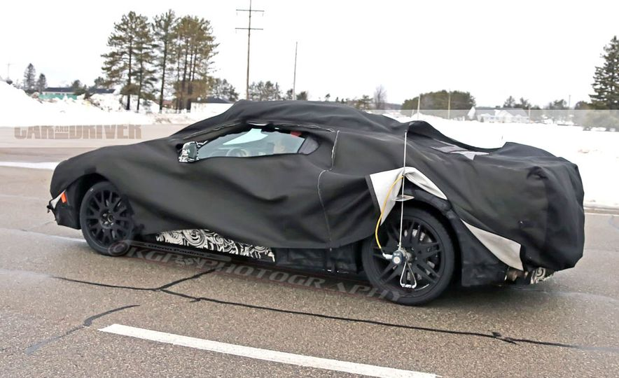2019 Chevrolet Corvette C8 and 2018 Chevrolet Corvette ZR1 (spy photo) - Slide 30