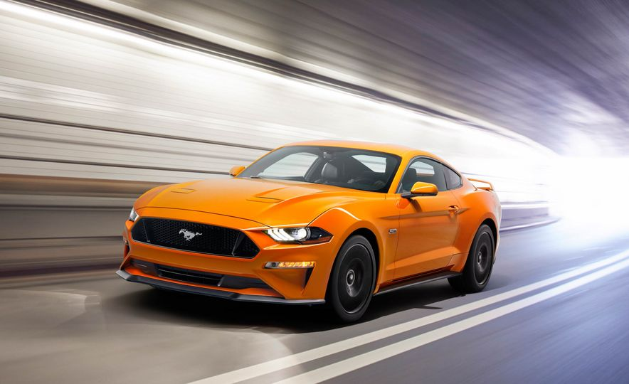 2018 Ford Mustang GT convertible - Slide 3