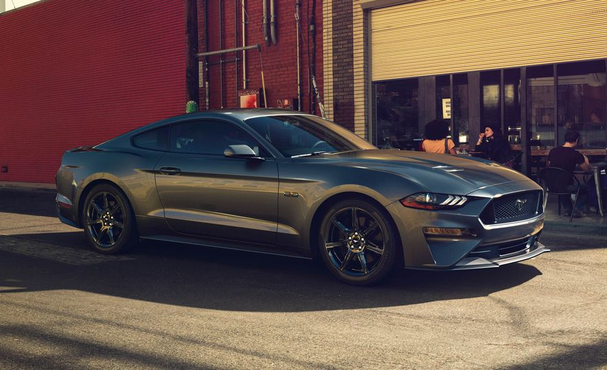 2018 Ford Mustang GT convertible - Slide 9