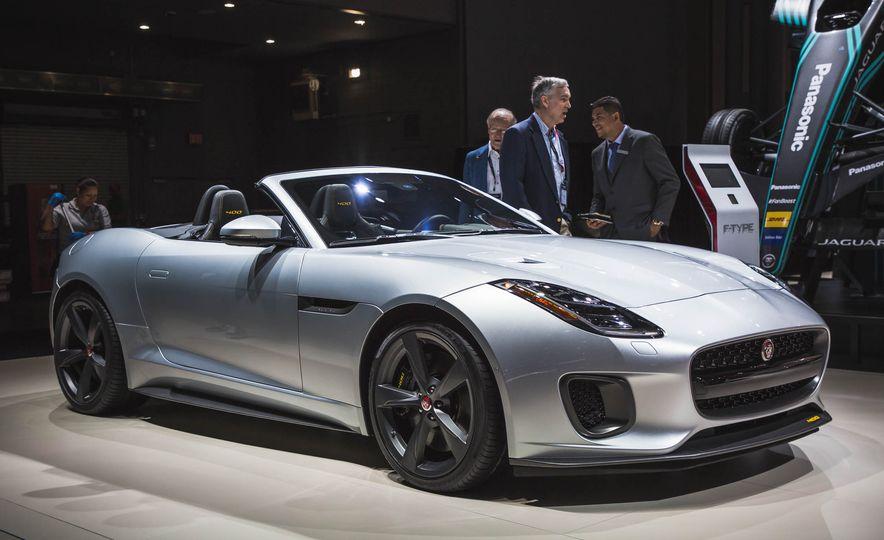 2018 Jaguar F-Type 400 Sport convertible - Slide 1