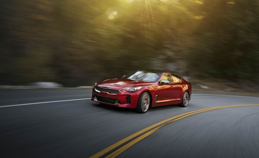 2018 Kia Stinger - Slide 1