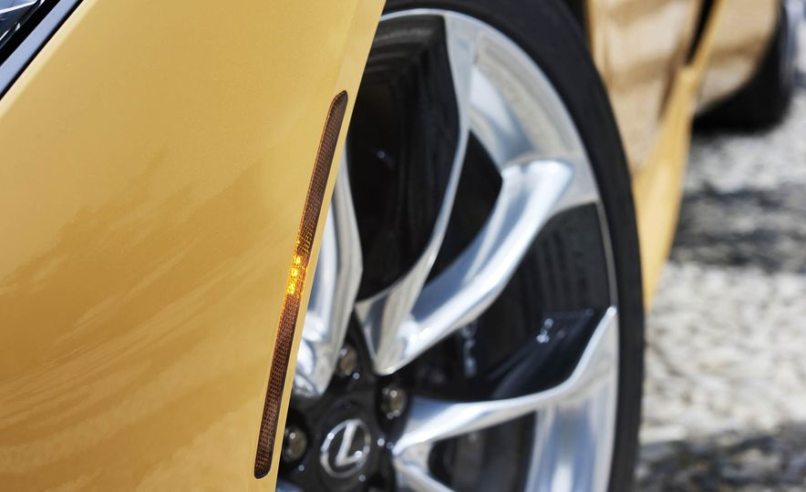 2018 Lexus LC500 - Slide 18