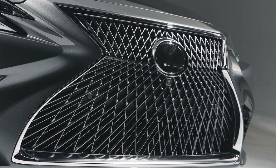 2018 Lexus LS 500 - Slide 16