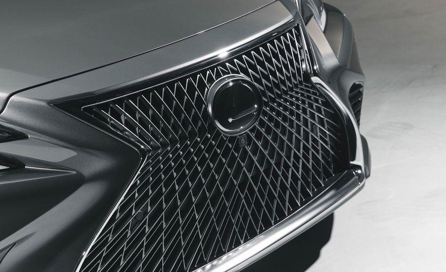 2018 Lexus LS 500 - Slide 17