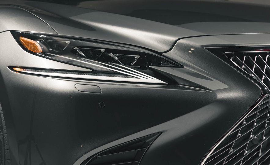 2018 Lexus LS 500 - Slide 19