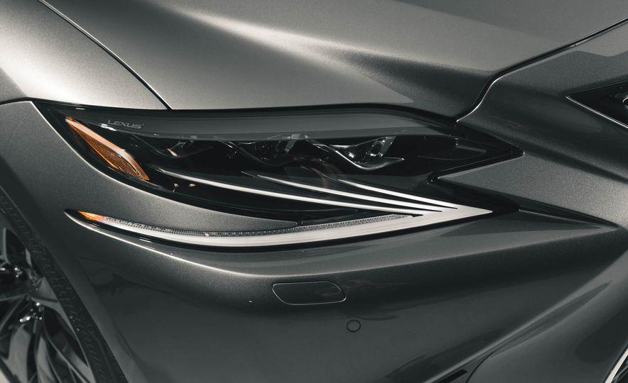 2018 Lexus LS 500 - Slide 20