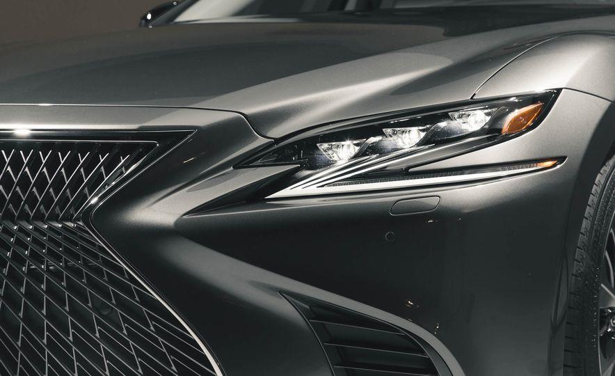 2018 Lexus LS 500 - Slide 23