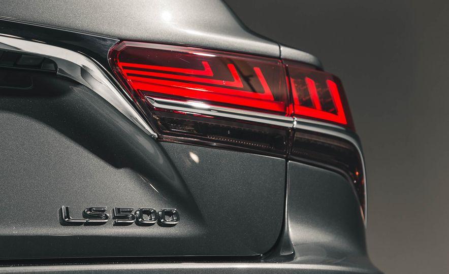 2018 Lexus LS 500 - Slide 31