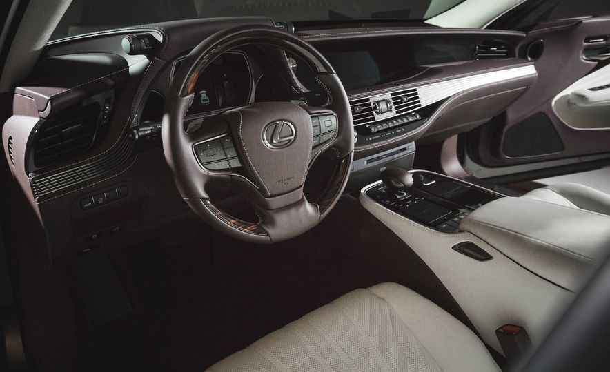 2018 Lexus LS 500 - Slide 34
