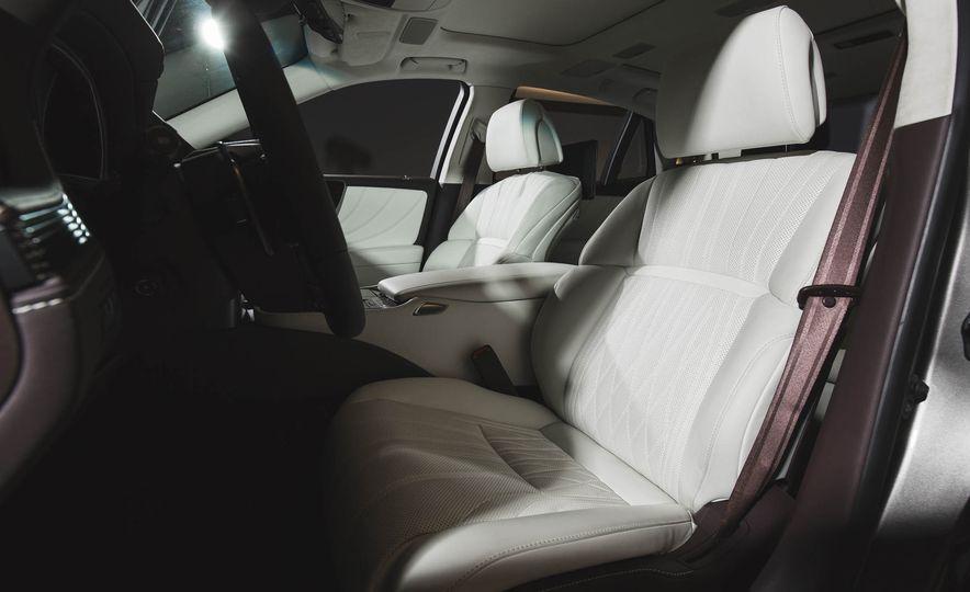2018 Lexus LS 500 - Slide 35