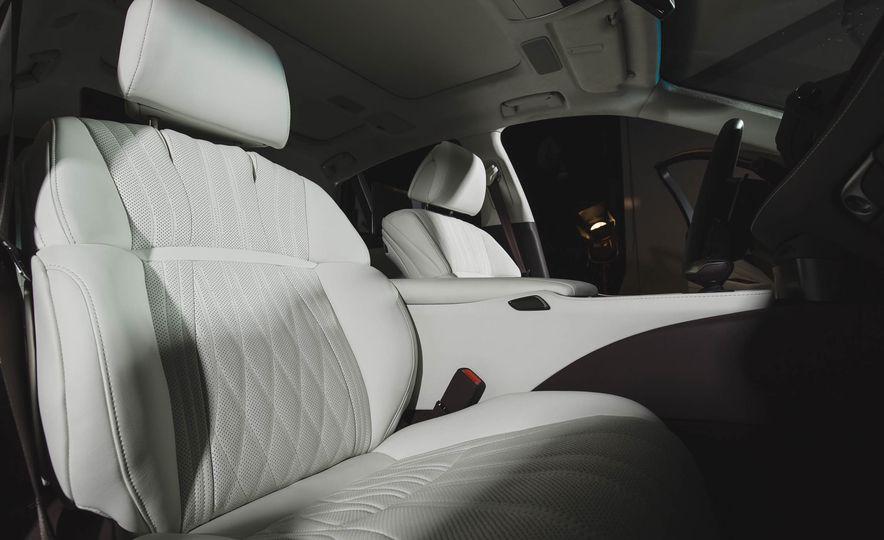 2018 Lexus LS 500 - Slide 36