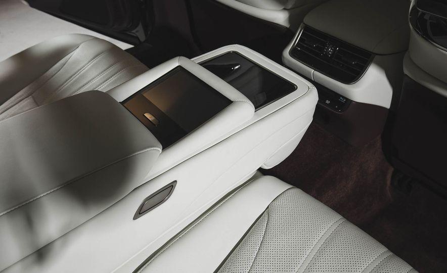 2018 Lexus LS 500 - Slide 40