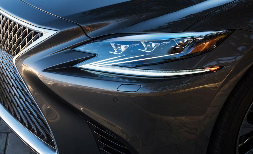 2018 Lexus LS 500 - Slide 61