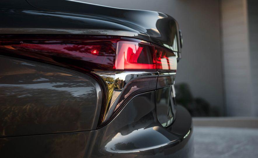 2018 Lexus LS 500 - Slide 62