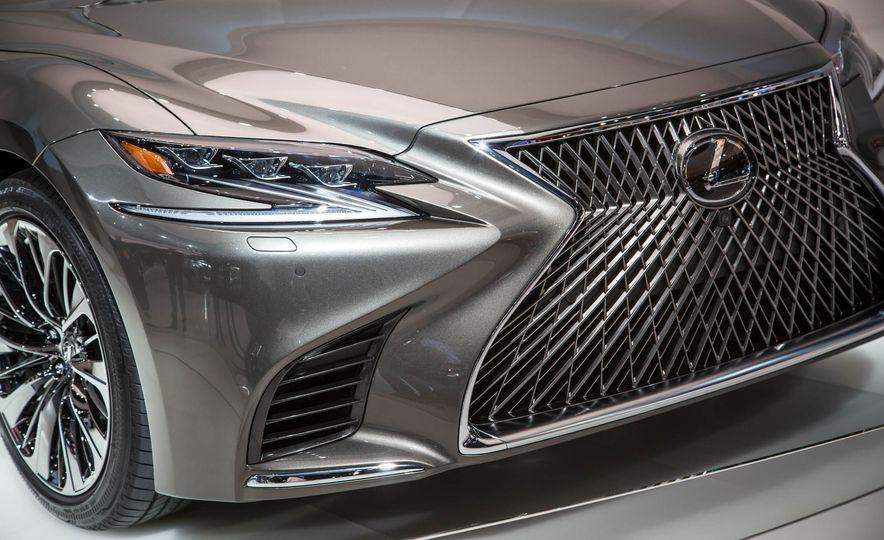 2018 Lexus LS 500 - Slide 8