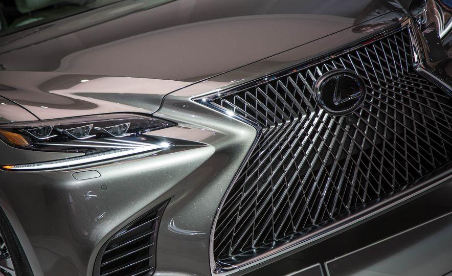 2018 Lexus LS 500 - Slide 9