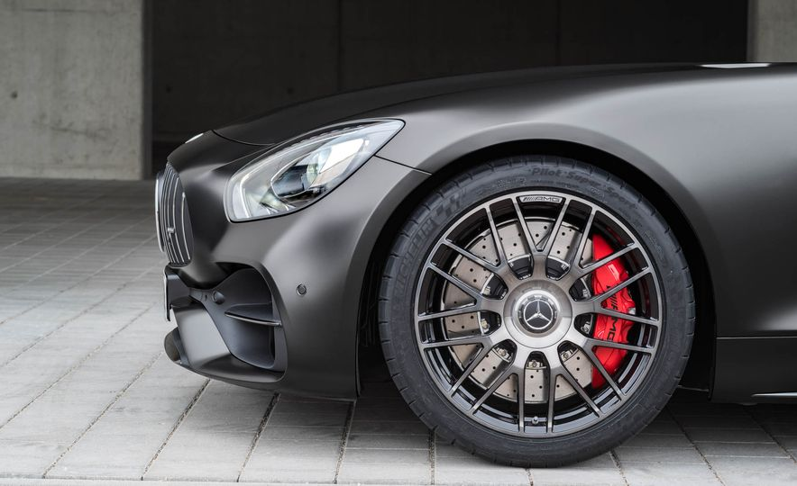 2018 Mercedes-AMG GT C Edition 50 coupe & 2018 Mercedes-AMG GT S - Slide 30