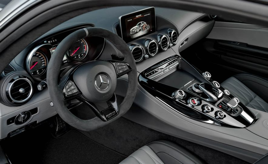 2018 Mercedes-AMG GT C Edition 50 coupe & 2018 Mercedes-AMG GT S - Slide 33