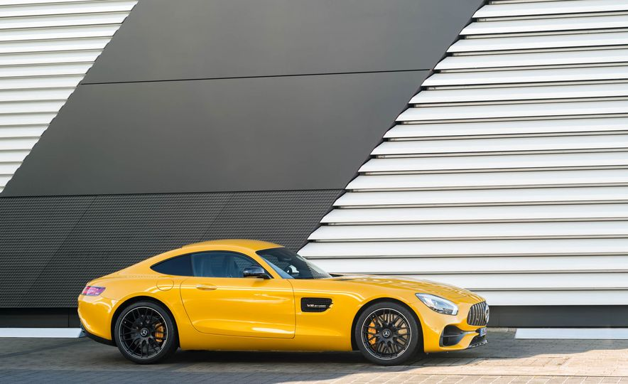 2018 Mercedes-AMG GT C Edition 50 coupe & 2018 Mercedes-AMG GT S - Slide 38
