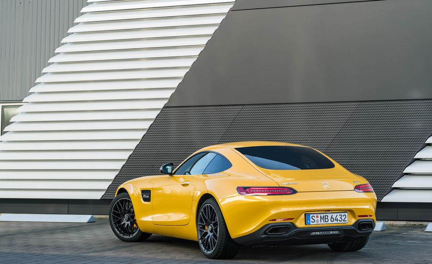 2018 Mercedes-AMG GT C Edition 50 coupe & 2018 Mercedes-AMG GT S - Slide 39
