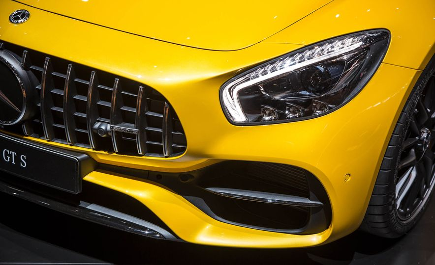 2018 Mercedes-AMG GT C Edition 50 coupe & 2018 Mercedes-AMG GT S - Slide 5