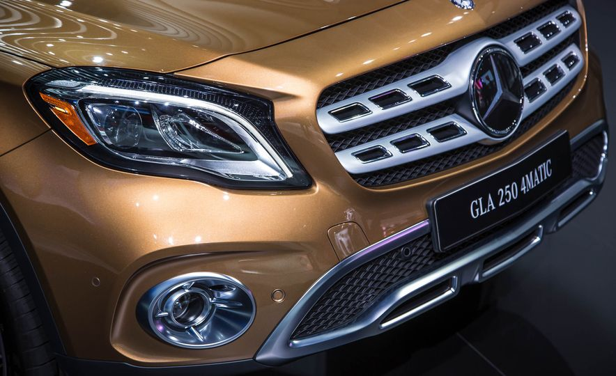 2018 Mercedes-AMG GLA45 4MATIC - Slide 5