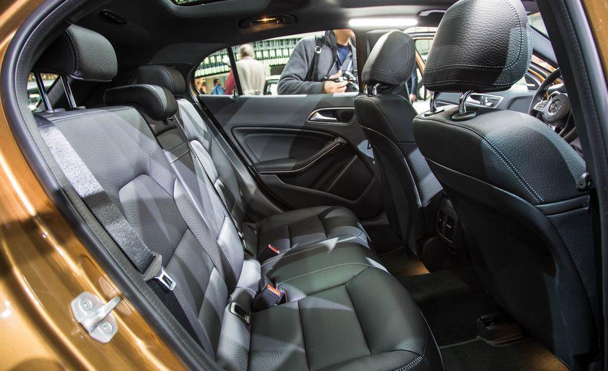2018 Mercedes-AMG GLA45 4MATIC - Slide 10