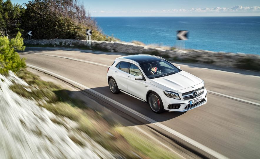 2018 Mercedes-AMG GLA45 4MATIC - Slide 12