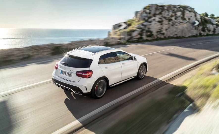2018 Mercedes-AMG GLA45 4MATIC - Slide 13
