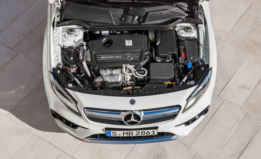 2018 Mercedes-AMG GLA45 4MATIC - Slide 35